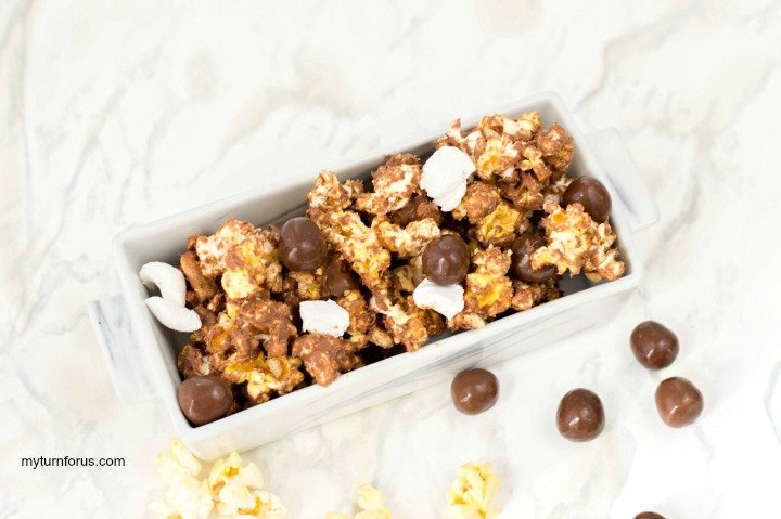 How to Make S'mores flavored popcorn treats